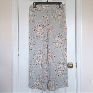 H&M Light Green Floral Cropped Pull-On Pants